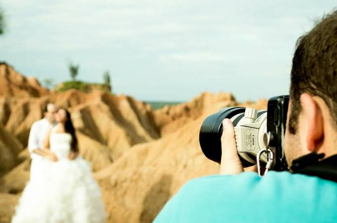 C:\Users\Retish\Desktop\How to Find the Perfect Photographer for Your Wedding.jfif